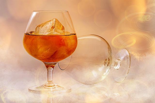 brandy-585796_640
